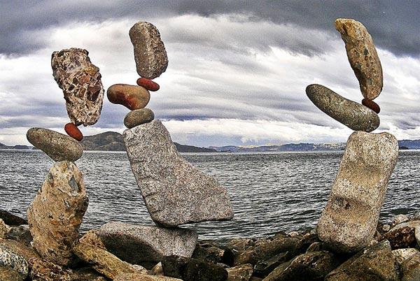 فن موازنة الصخور ckfu1456601511082.jp